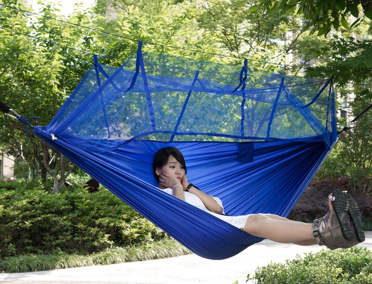 survival h ngematte h ngesessel schaukel mit moskitonetz. Black Bedroom Furniture Sets. Home Design Ideas